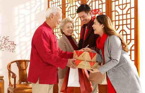 第一次见女方家长带什么礼物好