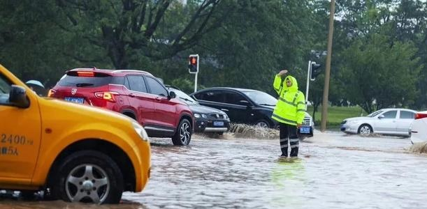 强降雨已致四川超10万人受灾  转移安置群众4万余人