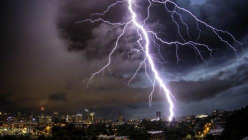 美国加州72小时遭上万次雷击