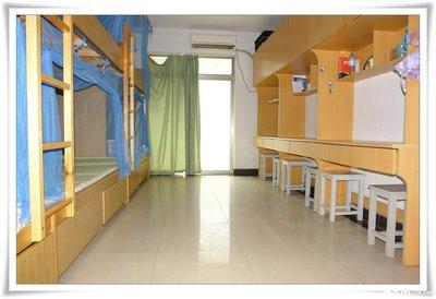 校长回应让学生自带床板入学,贵州一学校要求学生自带床板-第2张图片-免单网