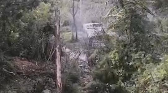 河北承德一公交车与货车相撞,两车相撞怎么划分责任-第2张图片-免单网
