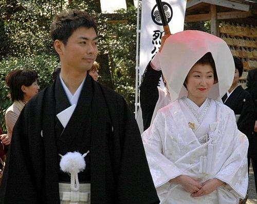日本为新婚夫妇发钱