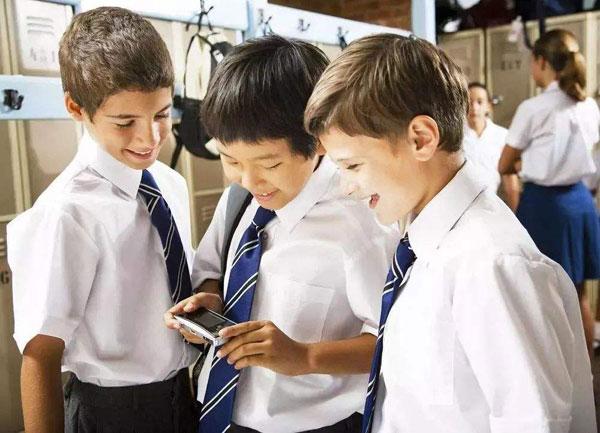 江西涉事中学回应禁用手机,如何看待学校禁止学生使用手机-第1张图片-免单网