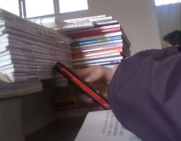 江西涉事中学回应禁用手机,如何看待学校禁止学生使用手机-第2张图片-免单网