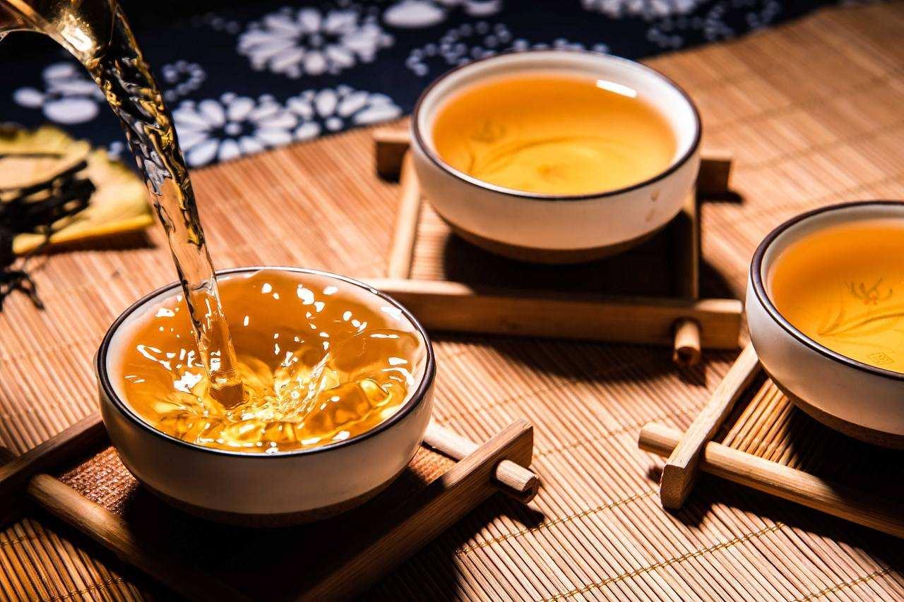 冬天适合喝什么茶,冬天喝什么茶比较好对身体,冬天喝什么茶最好养生