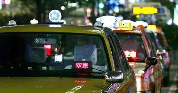 日本出租车空载时可送外卖