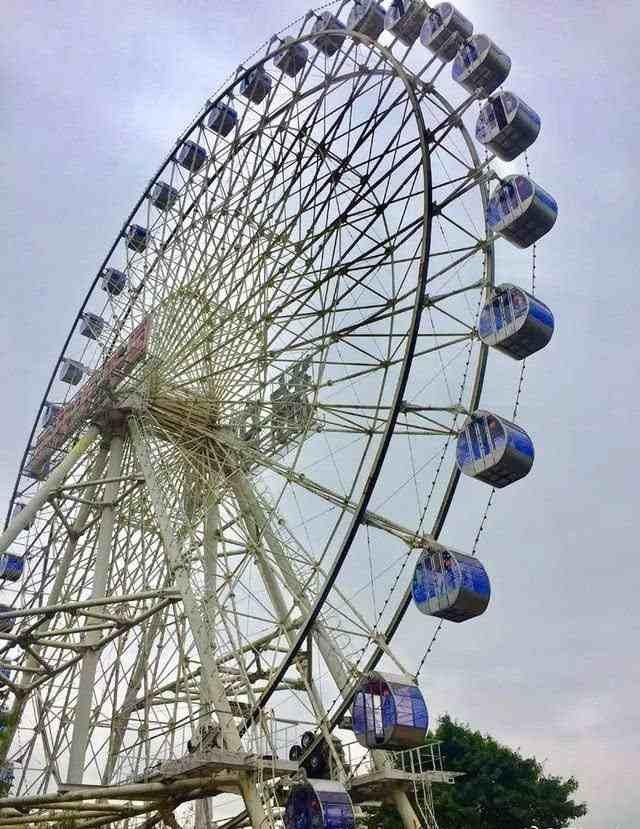 日本东京一游乐园摩天轮变办公室