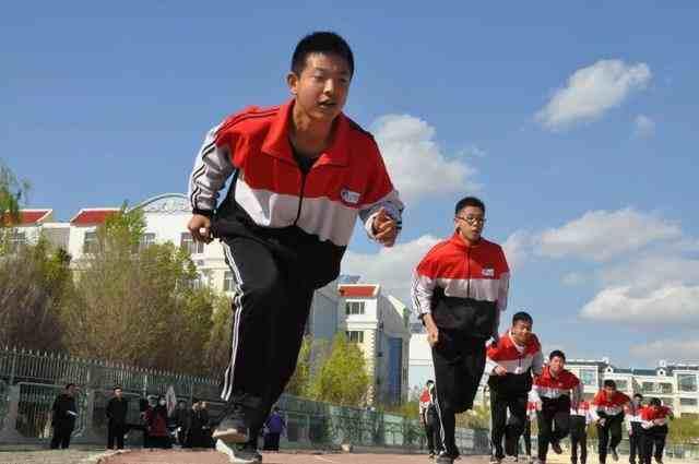 中考体育将达到和语数外同分值水平