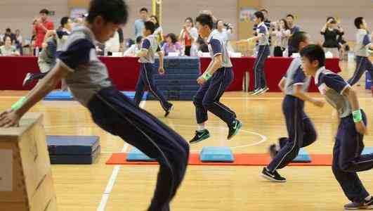 上海某初中开11门体育课
