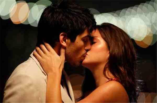 吻的技巧(女生怎么接吻)