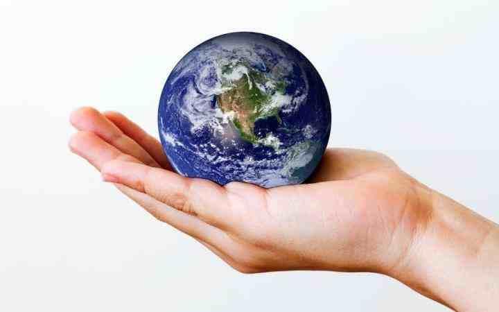 为什么地球是圆的?它的形状是否会发生变化?