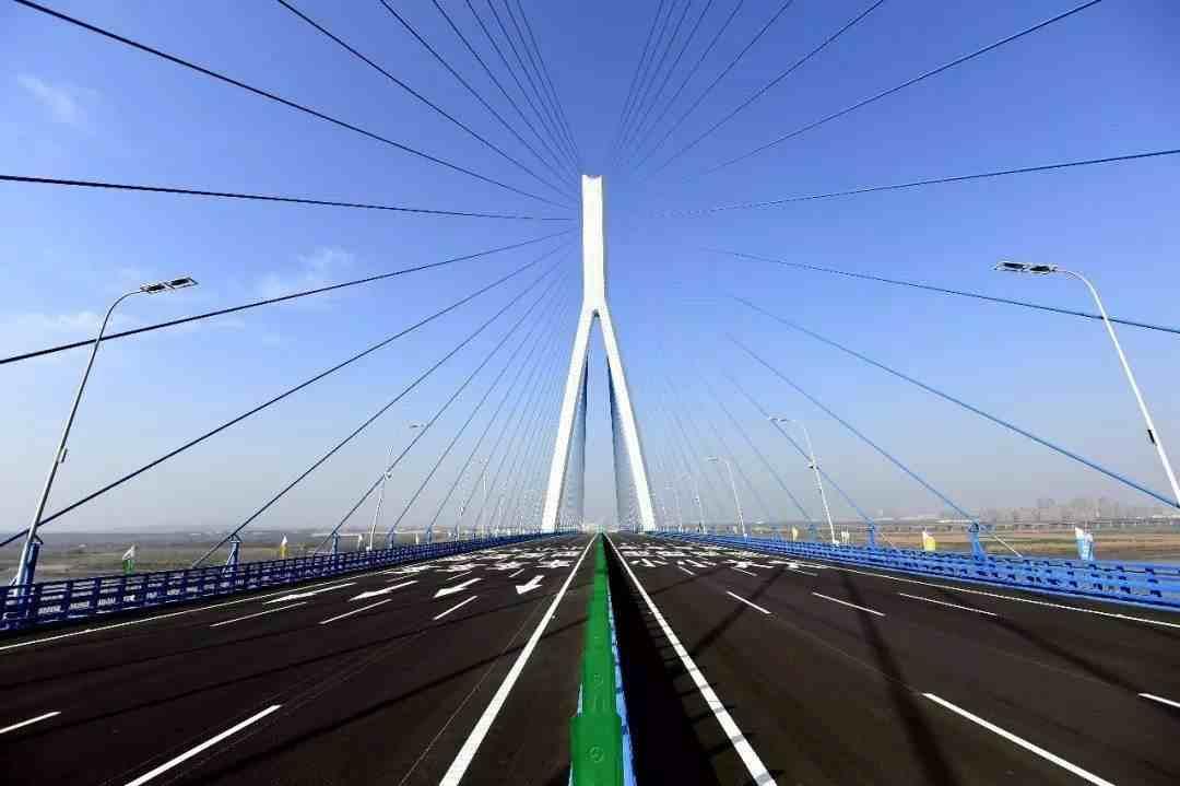 """最有名的5座""""长江大桥"""",最贵耗资110.6亿元,最长35.66公里"""