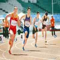 200米跑步技巧(200米如何训练,才会跑的更快。)