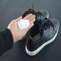 鞋子怎么除臭(防止鞋臭脚臭的小妙招)