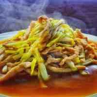 韭黄炒肉丝(韭黄炒肉丝的做法)