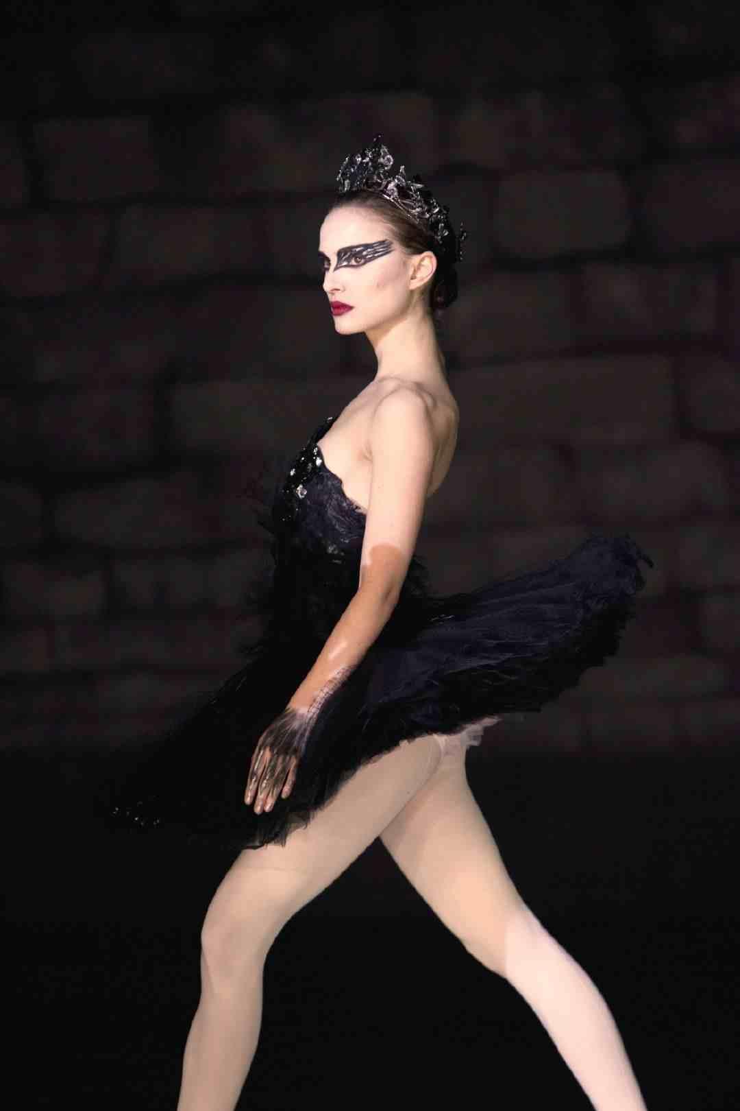娜塔莉波特曼的《黑天鹅》让观众为之沸腾