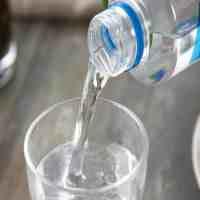 苏打水的作用(喝苏打水有什么好处)