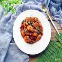 基围虾怎么做好吃(蒜香油焖基围虾)