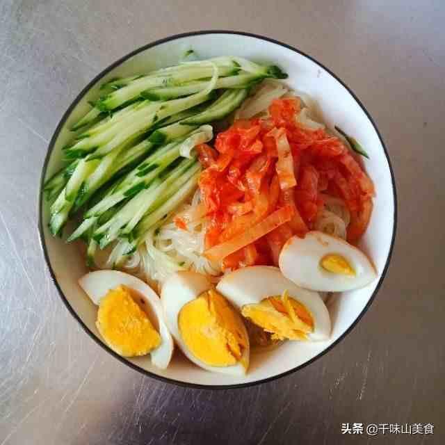 朝鲜冷面最关键是汤,酸甜过瘾又解暑,大厨教你在家自制冷面汤