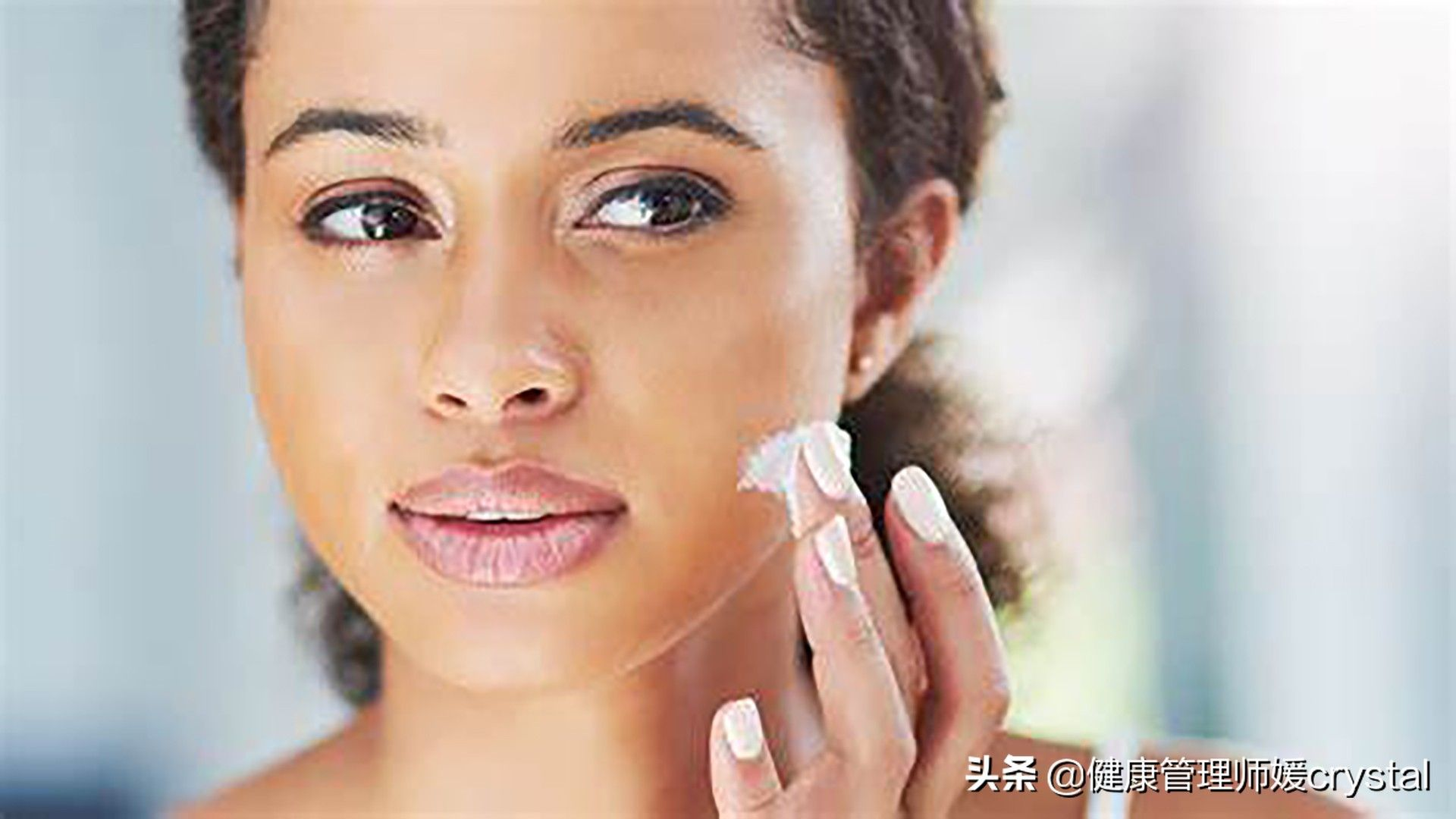 春天皮肤干燥起皮,如何补水?2个方法,快速补充水分