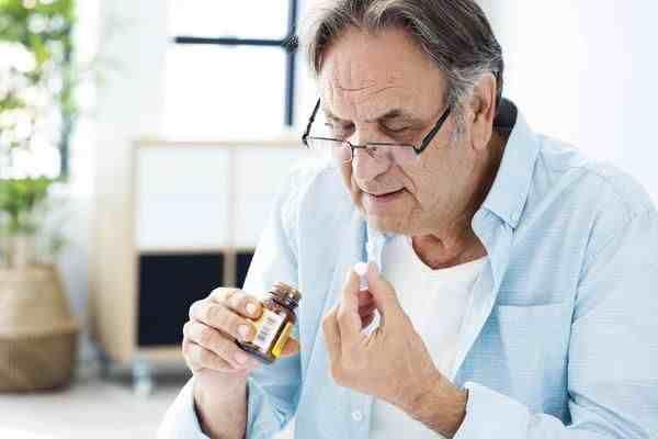 感冒咳嗽的时候,吃什么药?医生一文告知,不过请勿乱服药