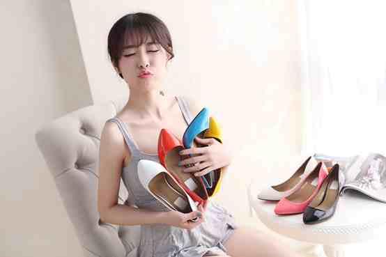 中国十大女鞋品牌简介